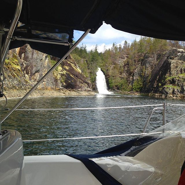 Not a bad view for the night...a bit noisy! Cassel Lake Falls, Teakerne Arm #springcruising #DesolationSound #PNW