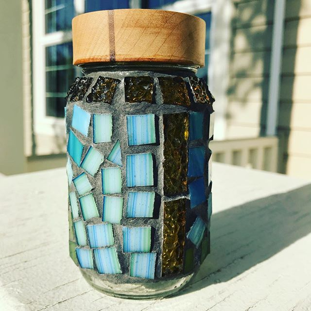 A first attempt at mosaic. My bro had made me this jar so I thought I'd decorate it.